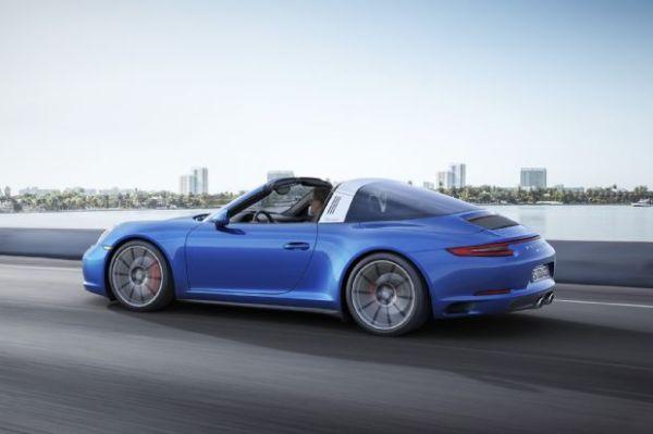 Porsche 911 Targa 4 -