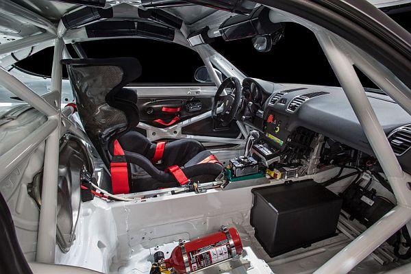 2016 Porsche Cayman GT4 Clubsport - Interior