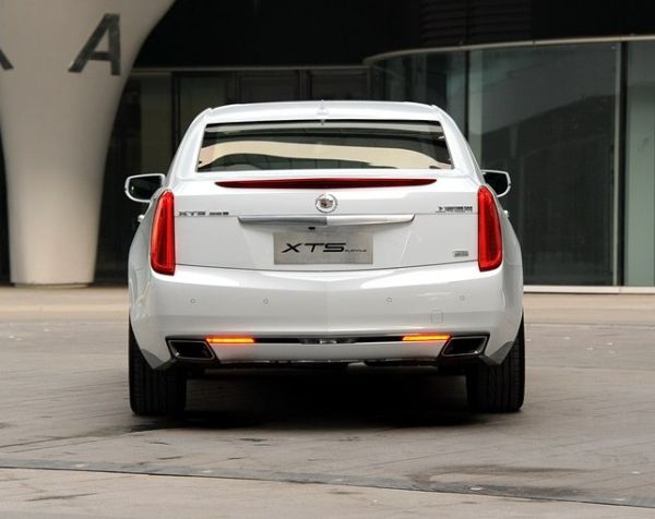 Rear View of 2015 Cadillac XTS