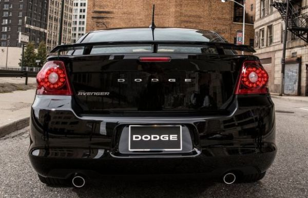 Rear View of Dodge Avenger 2015