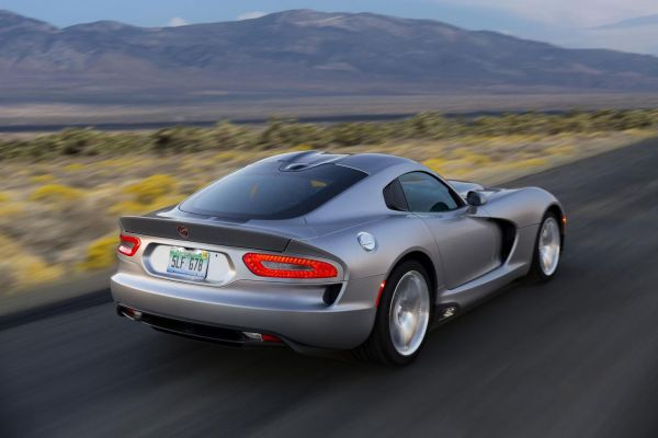 Rear View of 2015 - Dodge Viper SRT