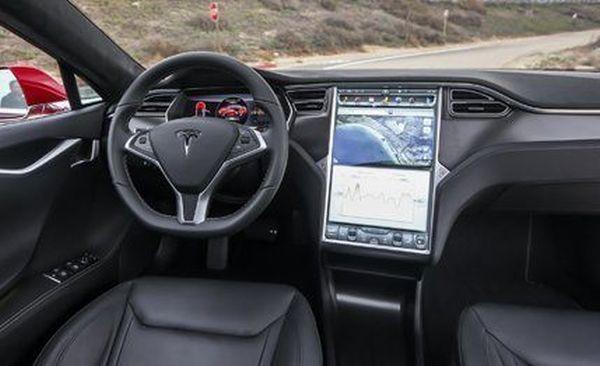 2015 Tesla Model S P85D - Interior