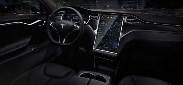 2016 Tesla Model S P90D - Interior