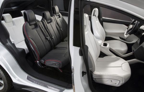 2016 Tesla Model X - Interior