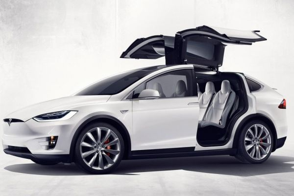 Tesla Model X - 70D
