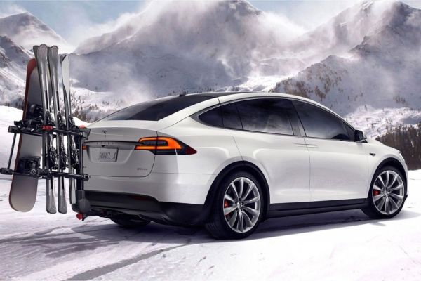 Tesla Model X - 70D - Rear View