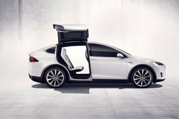 Tesla Model X - 70D - Side View