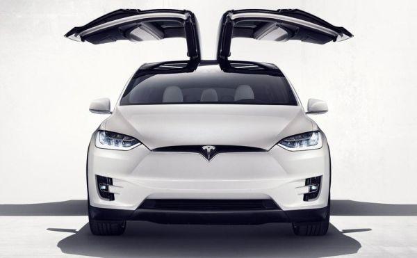 Tesla Model X 70D