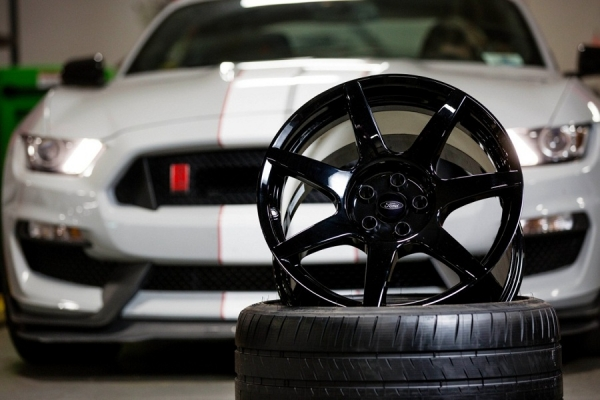 ford-mustang-shelby-gt350r-carbon-fiber-wheels