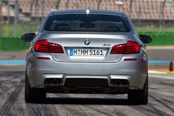 BMW M5 2016 - Rear View