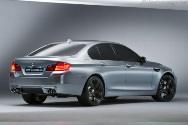 2017 BMW M5 - Side View