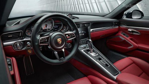2017 Porsche 911 Targa 4 - Interior