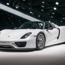 Porsche Mission E Electric Car - FI