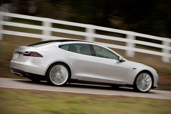 2015 Tesla Model S P85D - Side View