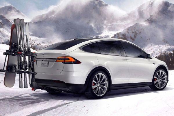 Tesla Model X - 70D - Rear View